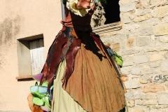 Spectacle échassier médiévale fantastique, dame nature terre
