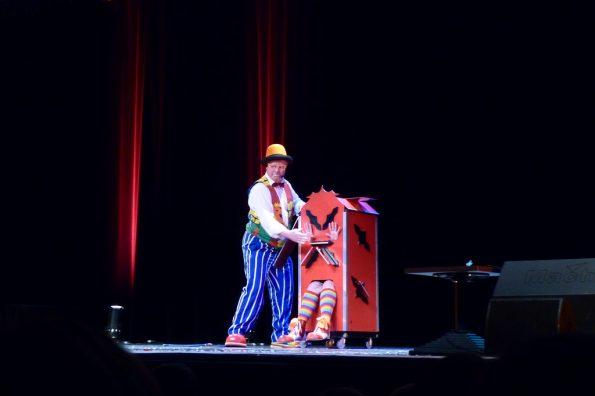 Spectacle de cirque pour arbre de Noël PACA 13