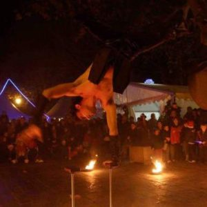 Compagnie de spectacle de cirque et feu en rues en fête 04 PACA