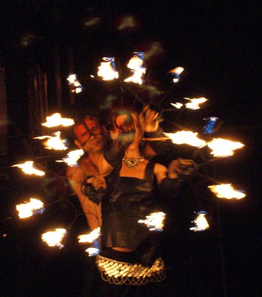 troupe de feu médiévale de Cirque Indigo en PACA