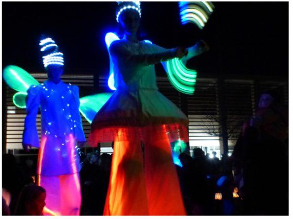 Animation de rue des échassiers lumineux @ Chateauneuf-les-Martigues | Châteauneuf-les-Martigues | Provence-Alpes-Côte d'Azur | France
