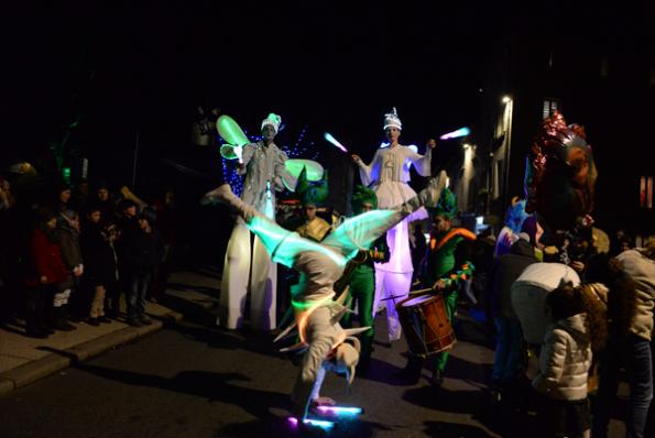 spectacle de rue lumière et musique