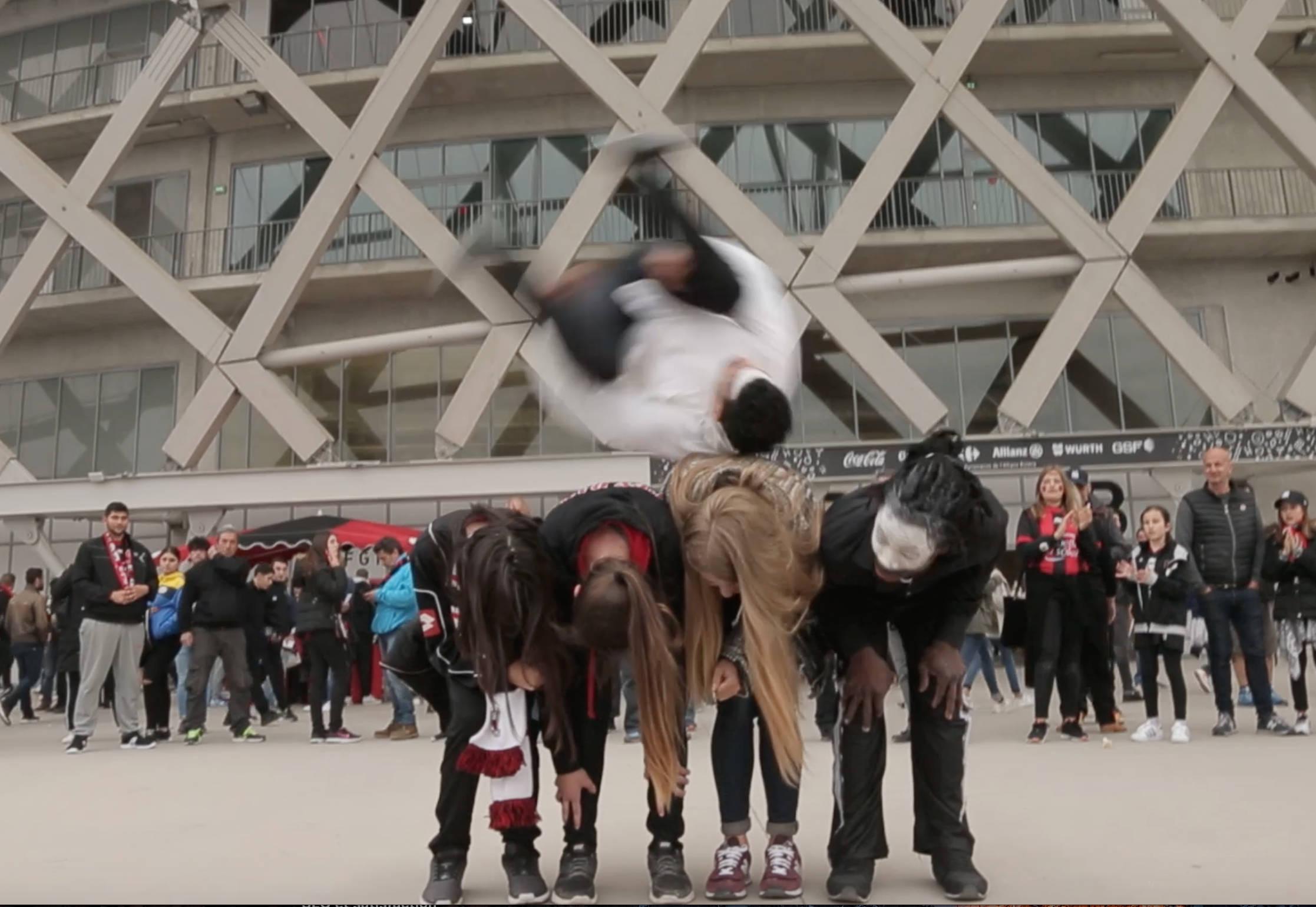 Acrobatie-cirque-Indigo