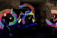 spectacle-jonglage-lumineux-de-Cirque-Indigo