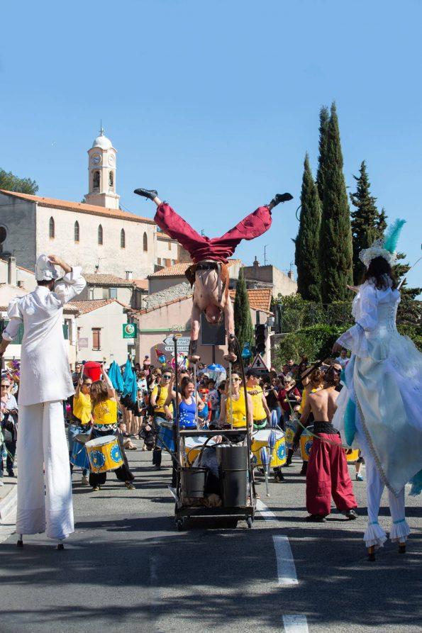 Troupe médiévale spectacle de rue cirque Indigo
