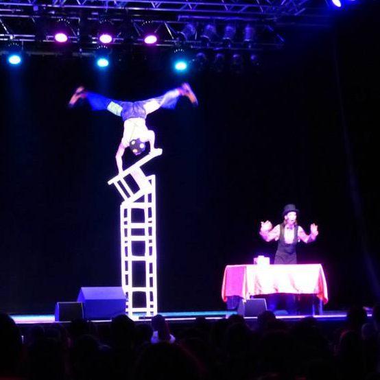 grand spectacle de noel pour enfants de cirque indigo en PACA