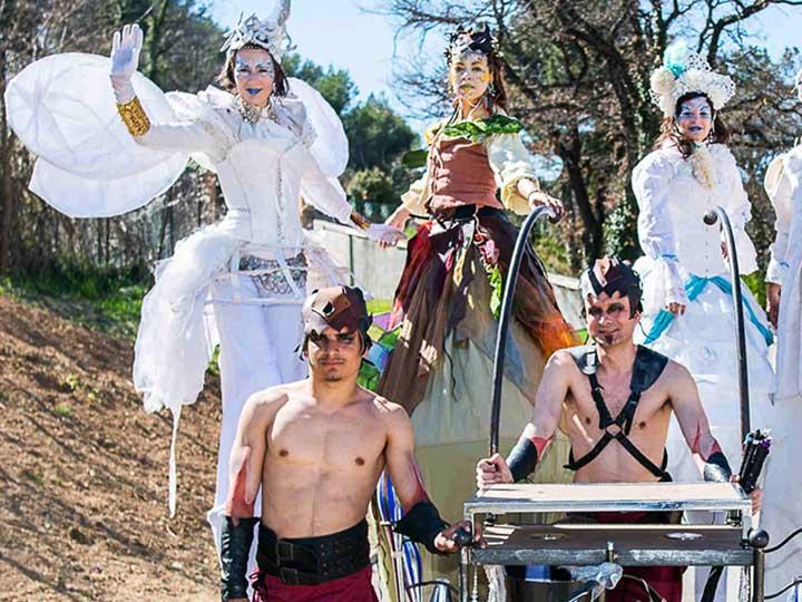 Troupe-carnaval-4-quatre-elements-cirque-Indigo
