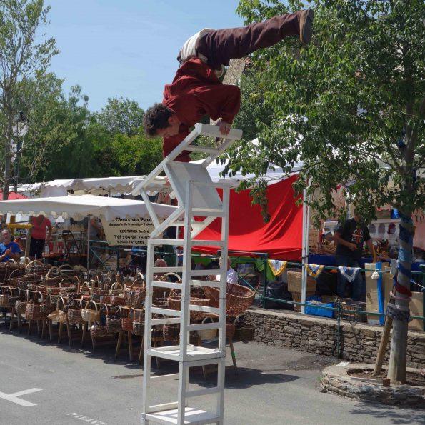 troupe medievale pour animation de rue acrobatie en PACA