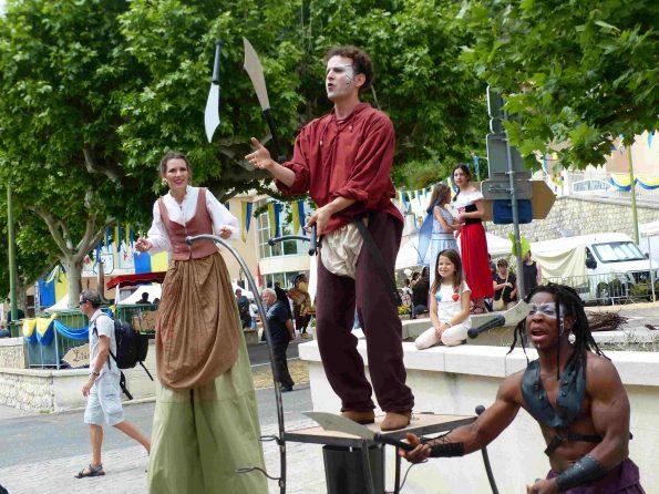troupe médiévale spectacle de rue jongleurs