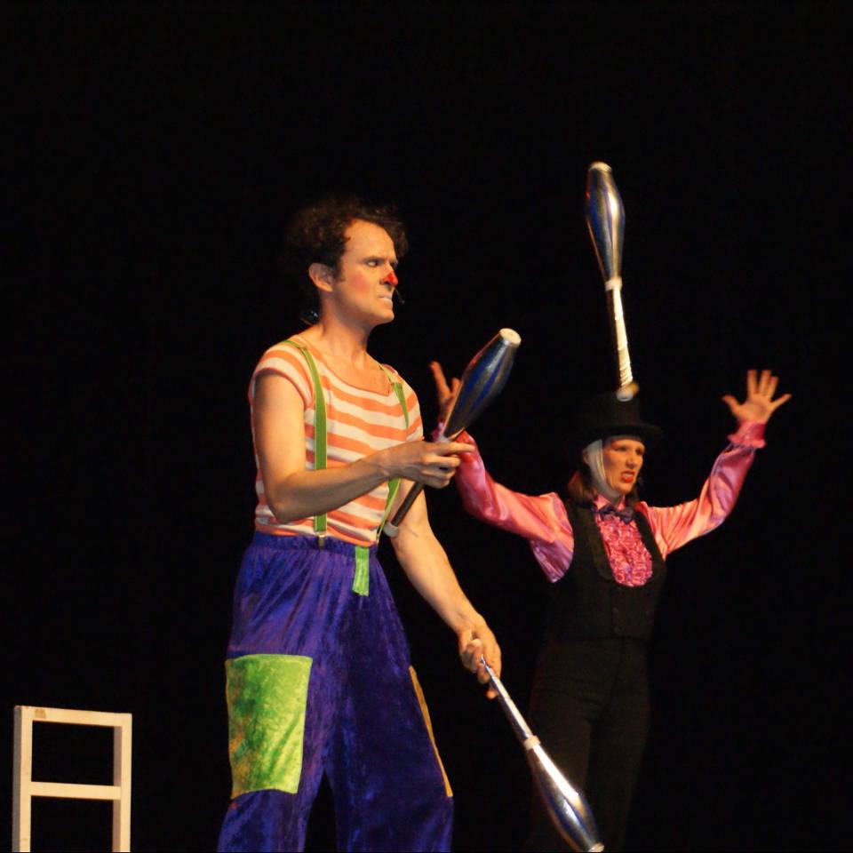spectacle-de-cirque-enfant et jonglerie