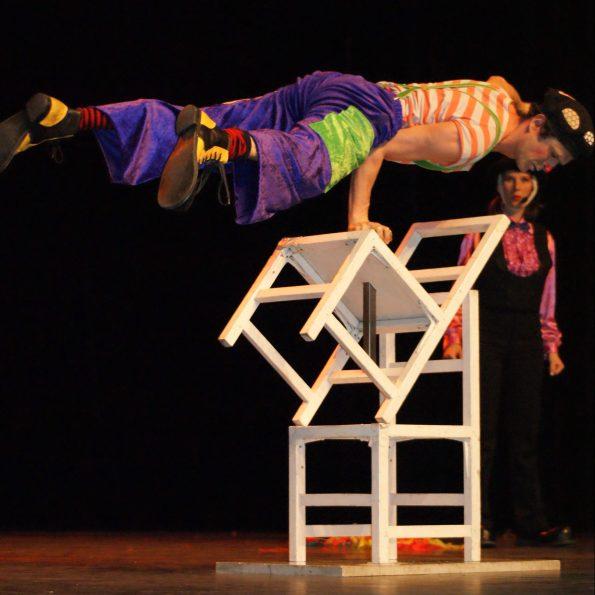 Animation des enfants dans le spectacle de cirque enfant Noël