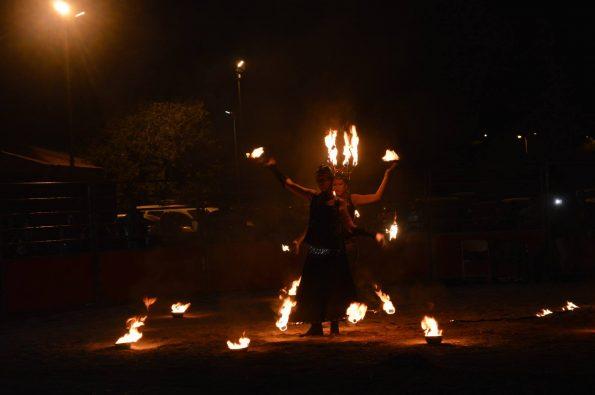 spectacle de feu et lumineux Miramas 13 PACA