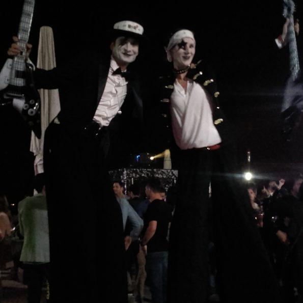 echassiers rock circus animation fête échassiers compagnie cirque