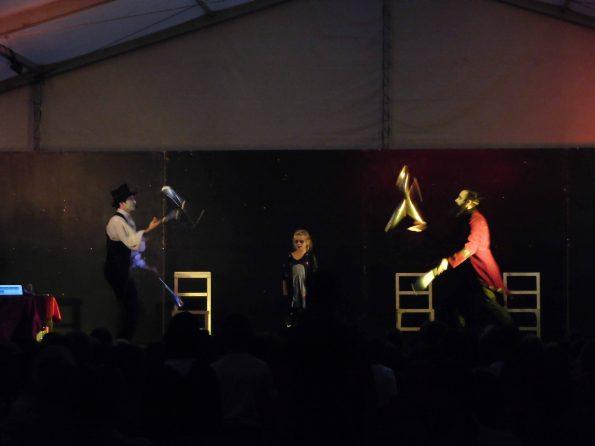 Spectacle Halloween, magie, acrobatie, jonglerie et cirque à Sainte-Maxime 83, Var, PACA