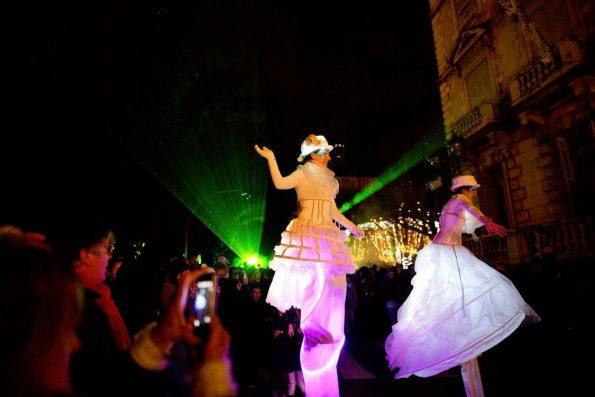 échassiers lumineux fête de la lumière PAU parade lumineuse