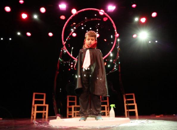 Numero bulle géante de Cirque Indigo
