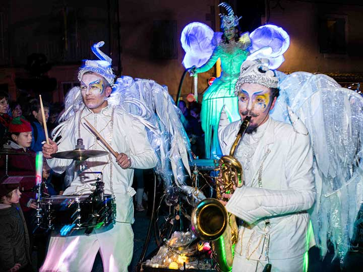 deambulation-musicale-lumineuse-cirque-indigo