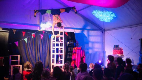 Spectacle cirque enfants arbre de Noël Var PACA