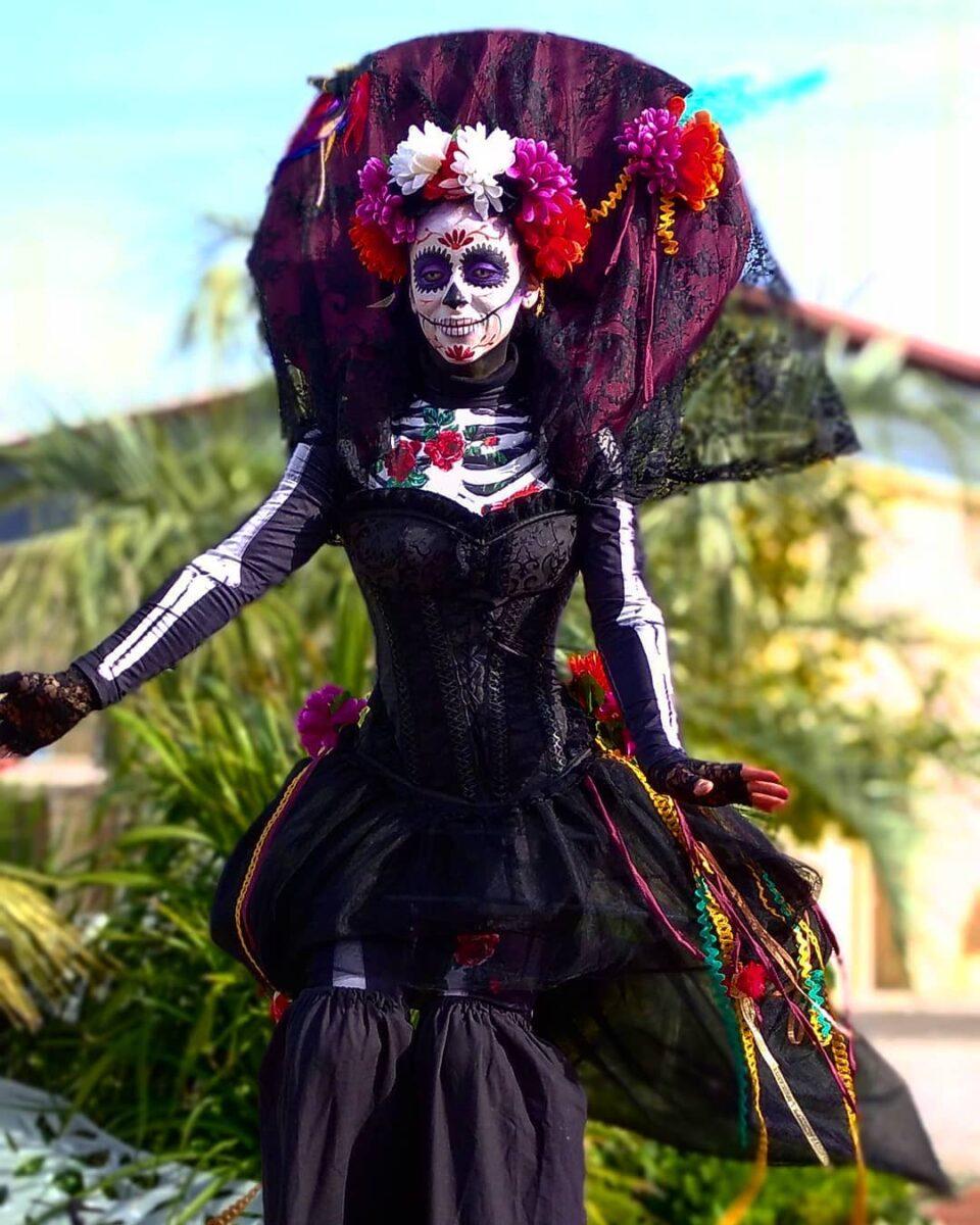 Animation de rue échassier Halloween mort vivant mexicain