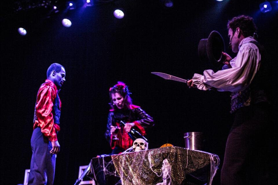 les vampires se reveillent spectacle pour enfants Cirque Indigo