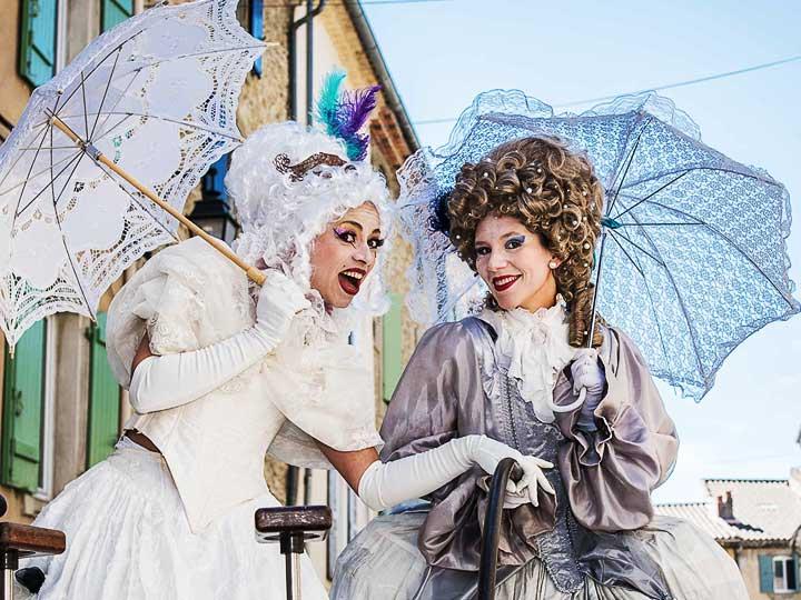 Echassier-baroque-parade-carnaval-cirque-Indigo-PACA