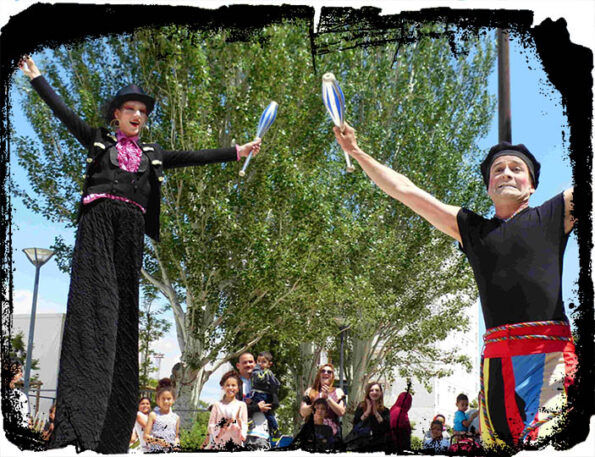 echassier cirque animation de rue Cirque indigo PACA