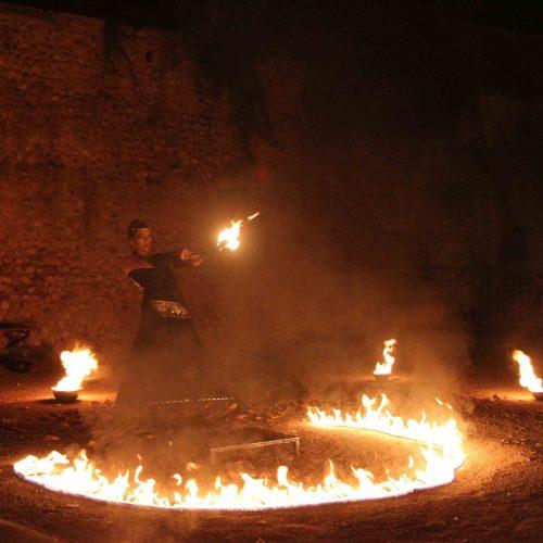 spectacle de feu et jonglerie de feu Cirque Indigo PACA